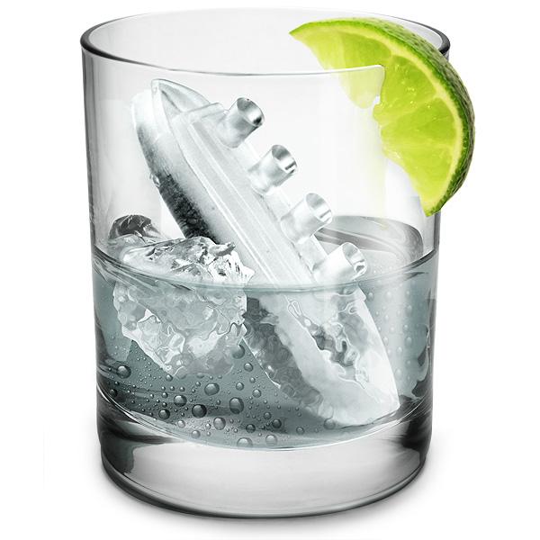 תבנית קרח בצורת הטיטאניק